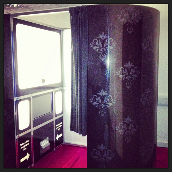 Limelight Photo Booth Hire & Magic Mirror Hire | Wedding